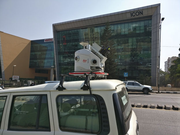 'Leica Pegasus Two' mobile LiDAR system mounted on 'Mahindra Scorpio' SUV for accurately mapping wide city roads.