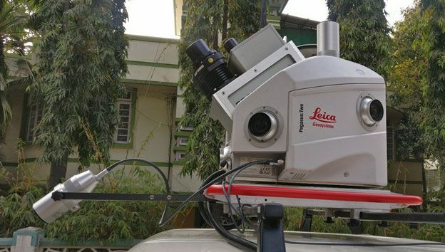 'Lecia Pegasus Two with pavement camera' as a Network Survey Vehicle (NSV) for measurement of the pavement distress on city roads.